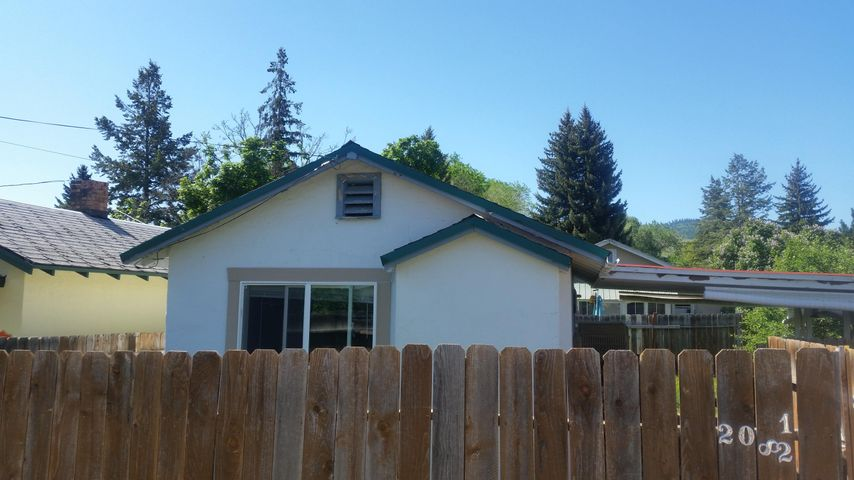 208 1/2 1st Avenue N, Hot Springs, MT 59845
