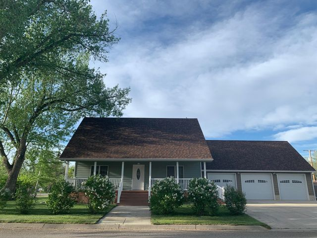 519 7th Avenue S W, Conrad, MT 59425