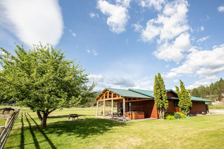 171 Bunkhouse Road, Darby, MT 59829
