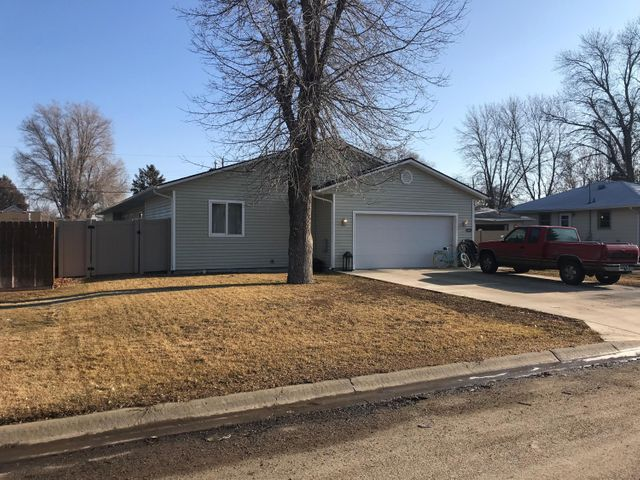 616 6th Street S E, Sidney, MT 59270