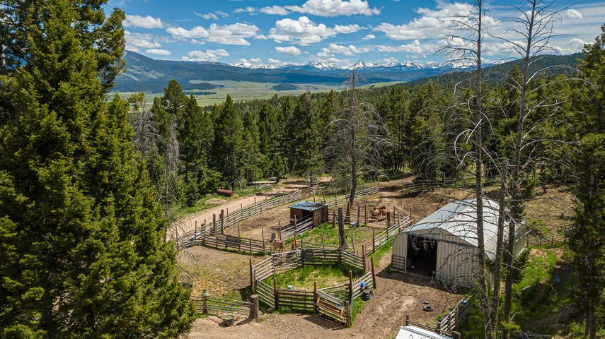 210 Slaughterhouse Lane, Philipsburg, MT 59858