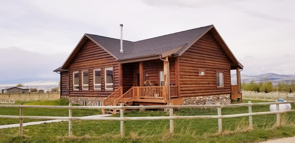 80 Fox Lane, Deer Lodge, MT 59722