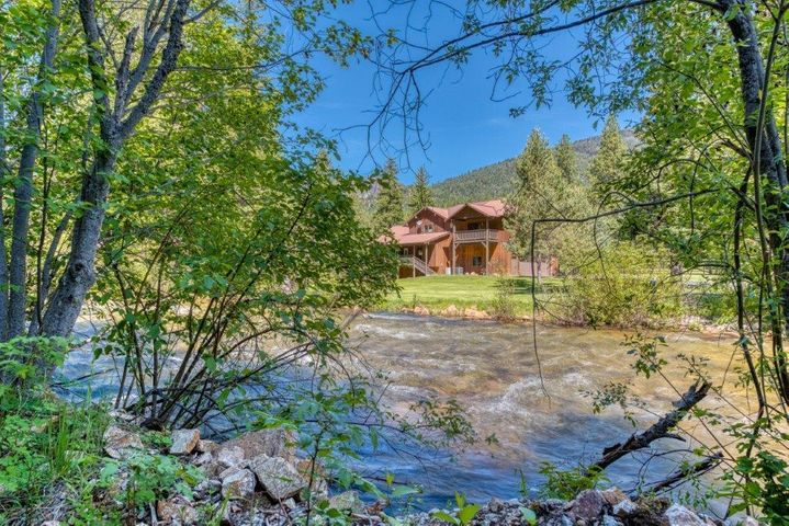 7000 Bear Hollow Court, Darby, MT 59829