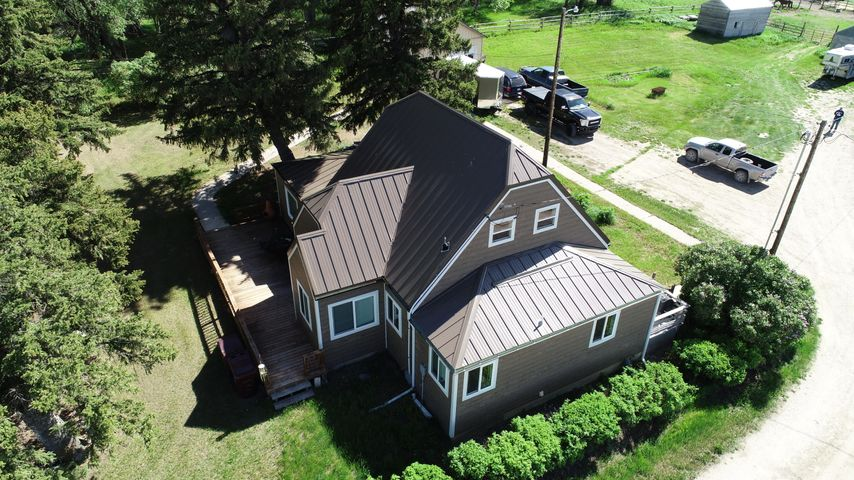 14 2nd Lane S E, Fairfield, MT 59436