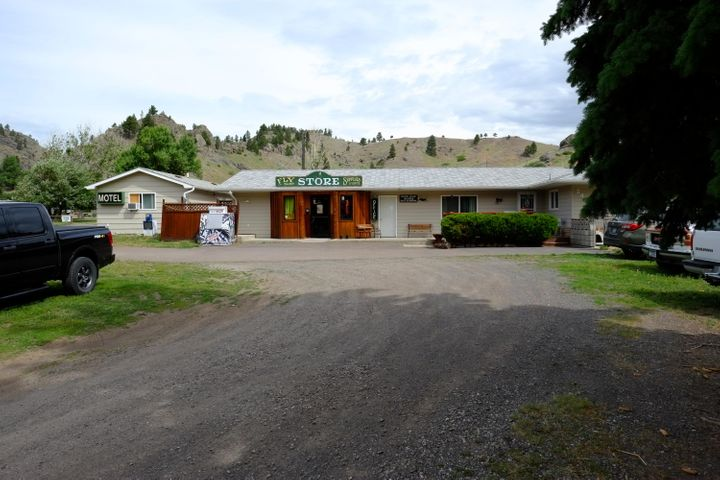 2468/2470 Old Us Hwy.91, Cascade, MT 59421
