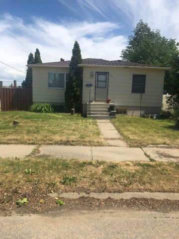 332 12th Avenue N, Shelby, MT 59474
