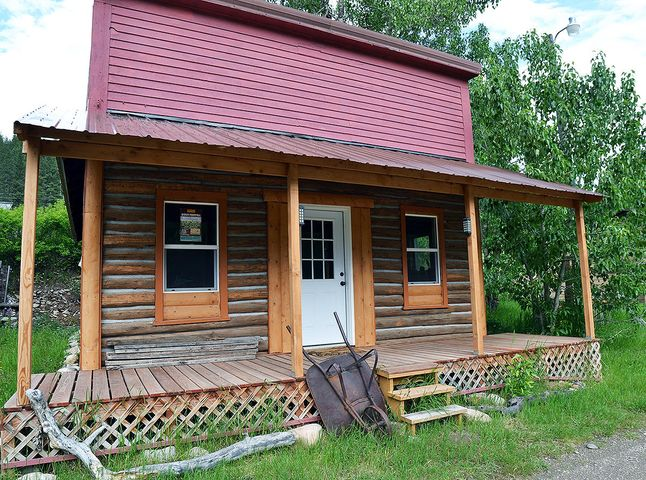 15 Missoula Avenue, Monarch, MT 59463