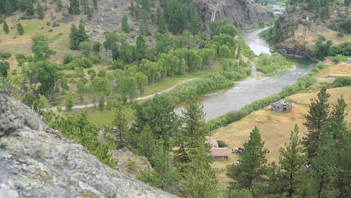 35 Powerline Road, Cascade, MT 59421