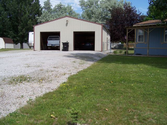 607 S Oak Street, Townsend, MT 59644