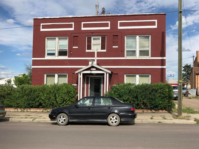 120 6th Avenue N, Shelby, MT 59474