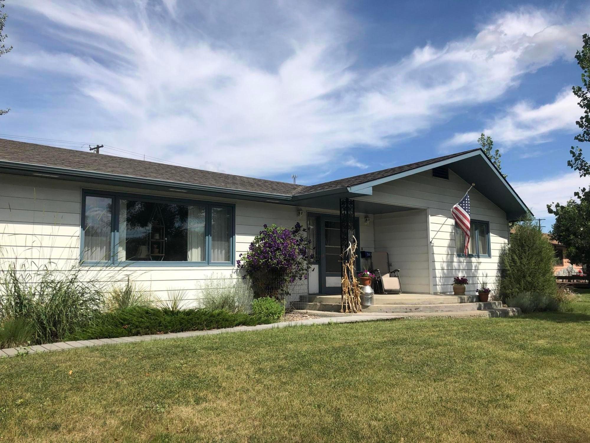 1206 St Charles Street, Fort Benton, MT 59442