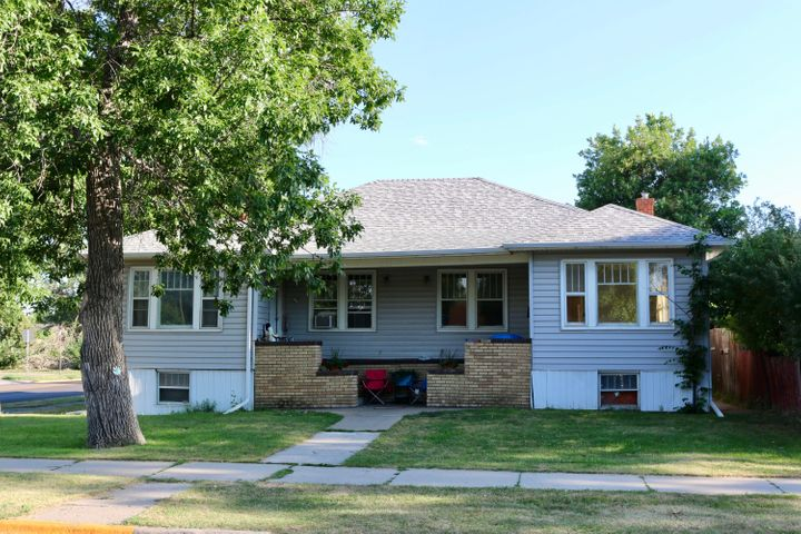 824 6th Avenue S, Great Falls, MT 59405