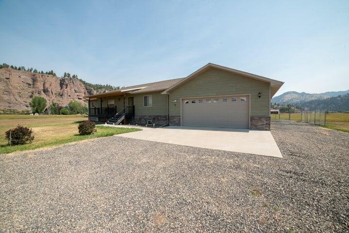 27 Meadow Lane, Cascade, MT 59421