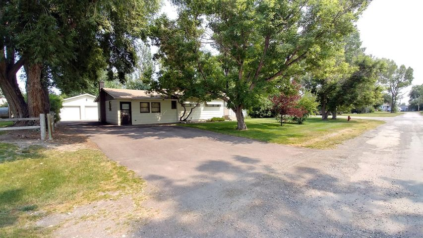 225 5th Avenue S W, Choteau, MT 59422