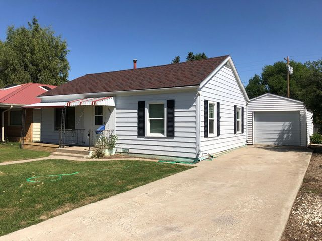 916 Teton Avenue, Shelby, MT 59474