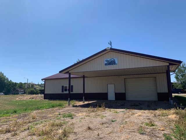 660 Teton Avenue, Shelby, MT 59474