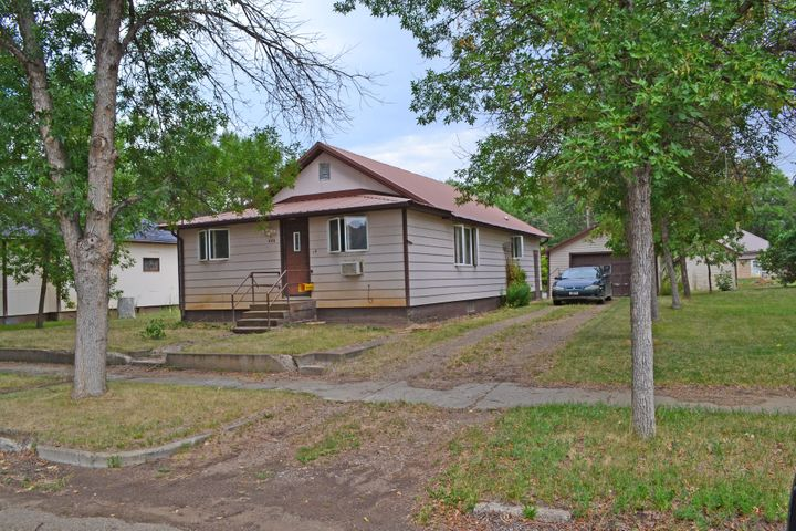 406 S Mcdonald Avenue, Terry, MT 59349
