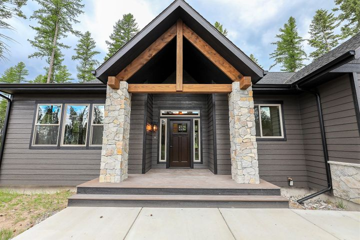 1102 Timber Ridge Court, Columbia Falls, MT 59912