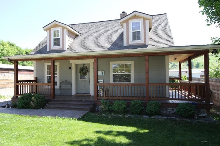 210 Garber Street, Plains, MT 59859