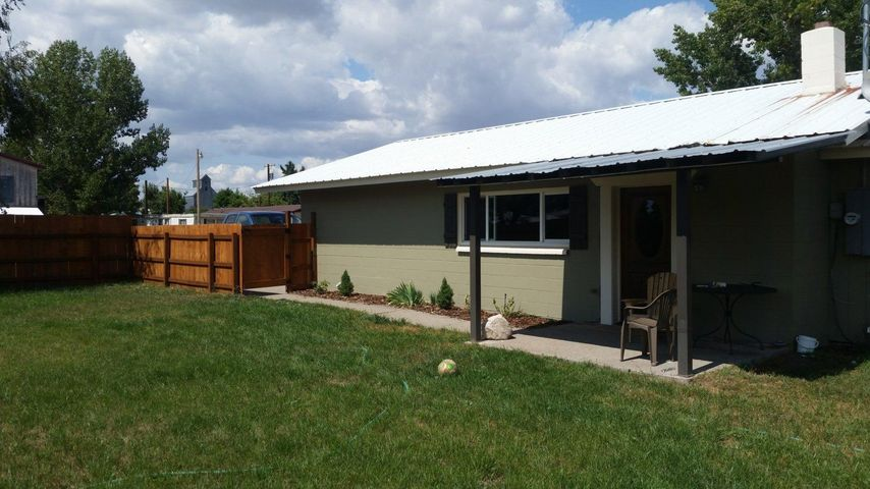 42230 3rd Avenue E, Pablo, MT 59855