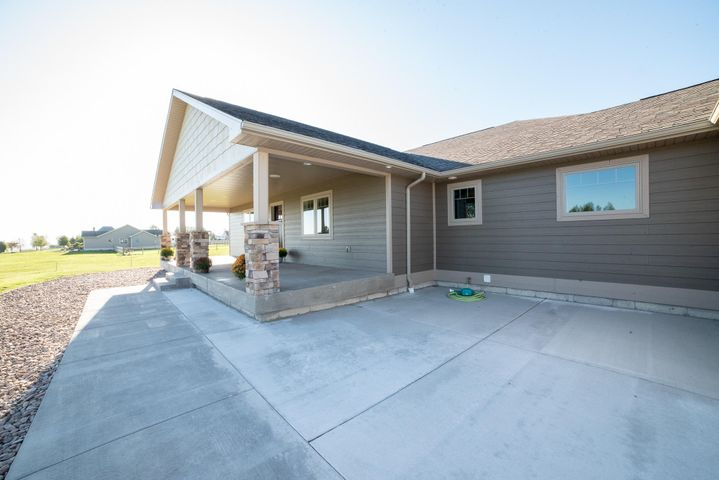 2500 Larkspur Lane, Great Falls, MT 59404
