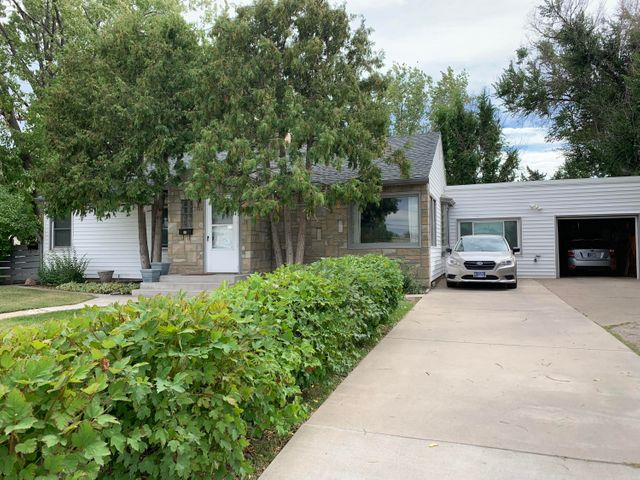 2406 8 Avenue N, Great Falls, MT 59401