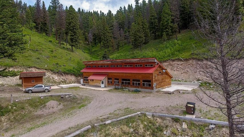 6350 Hwy 200, Lincoln, MT 59639