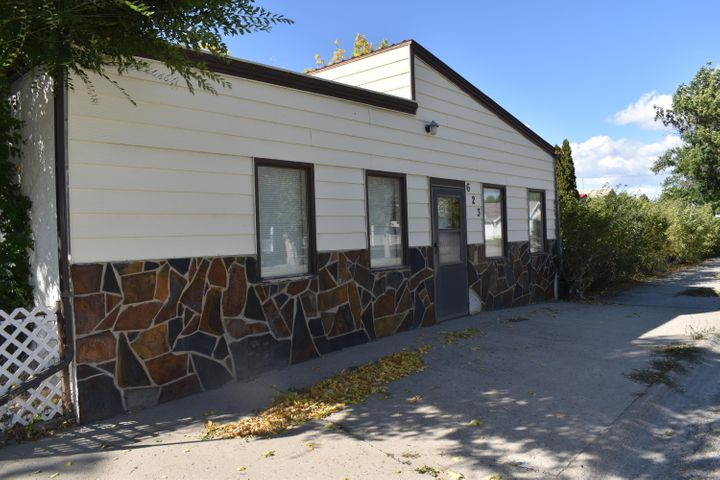 623 Oilfield Avenue, Shelby, MT 59474