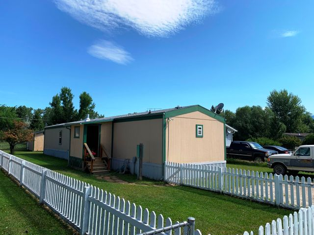 118 Grizzly Street, Ennis, MT 59729