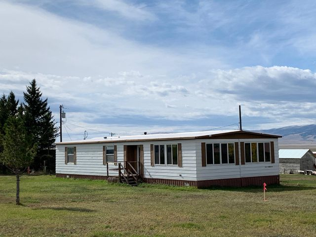 98 E South Street, White Sulphur Springs, MT 59645