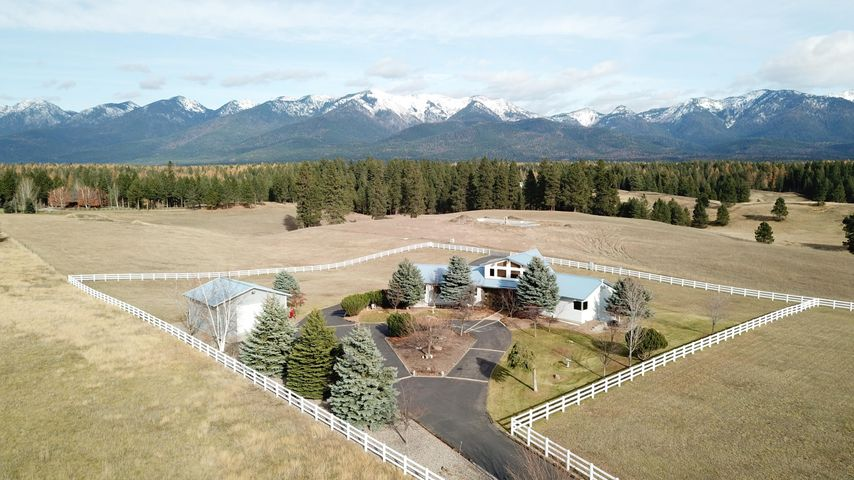 377 La Brant Road, Bigfork, MT 59911