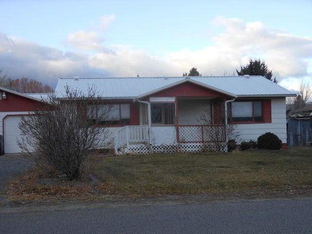506 S Walnut Street, Townsend, MT 59644