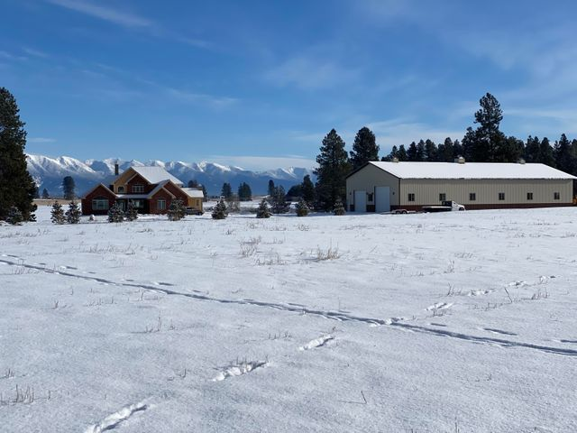 2179 Farm To Market Road, Kalispell, MT 59901