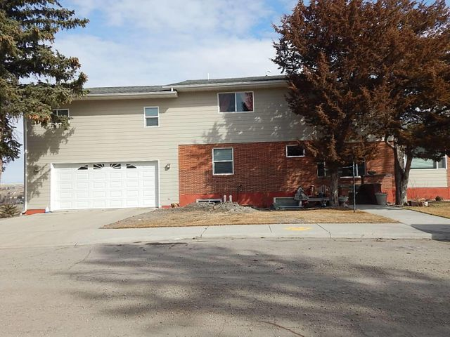 122 10th Ave South, Shelby, MT 59474