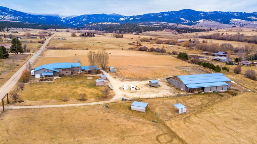 1193 Willow Creek Road, Corvallis, MT 59828