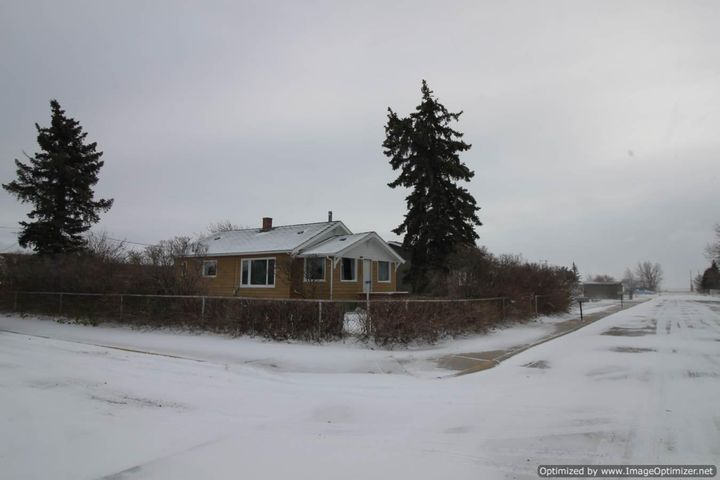 904 Cedar Avenue, Shelby, MT 59474