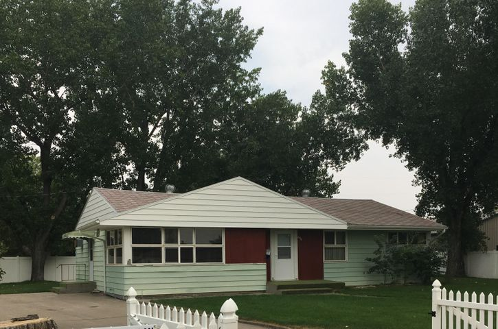 620 Hill Avenue, Shelby, MT 59474