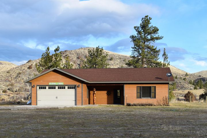 11 Happy'S Way, Plains, MT 59859
