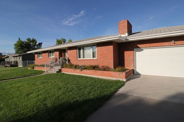 975 Hill Street, Shelby, MT 59474