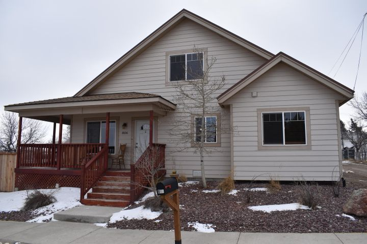 806 5th Street S, Shelby, MT 59474