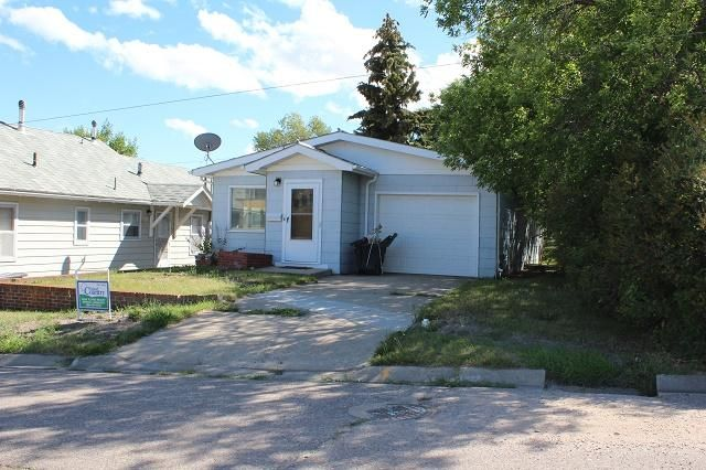 126 2nd Street S, Shelby, MT 59474
