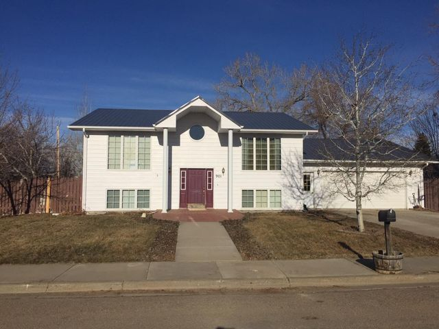 901 N Teton Avenue, Shelby, MT 59474