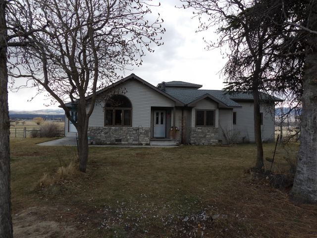 2712 Iroquois Trail, Victor, MT 59875