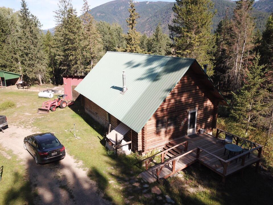 405 Upper River Road, Heron, MT 59844