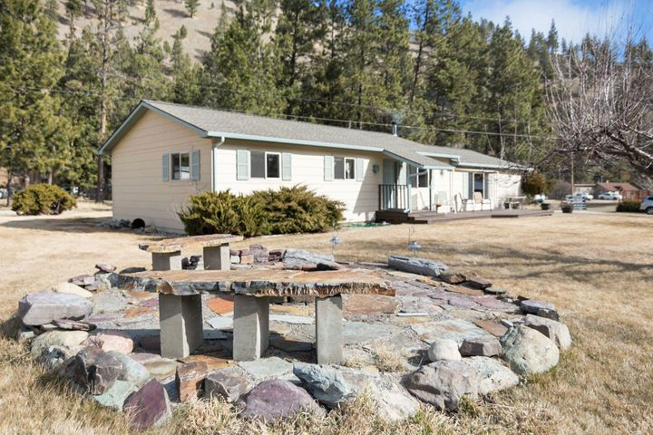 13085 Sun Ray Lane, Lolo, MT 59847