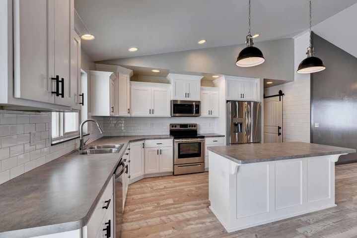 3882 Musselshell Road, East Helena, MT 59635