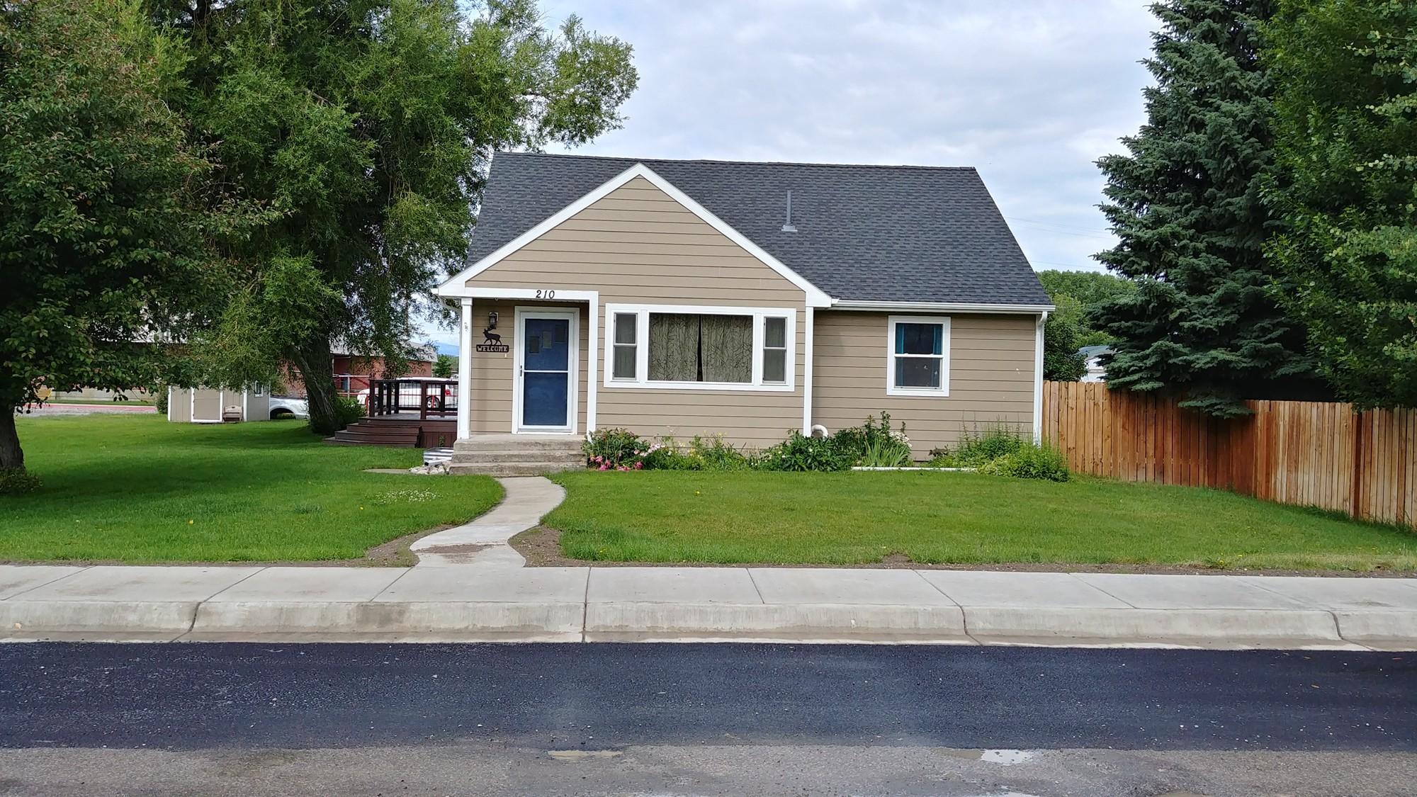 210 7th Avenue N W, Choteau, MT 59422