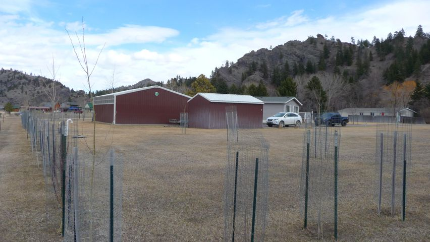 17 River Drive, Cascade, MT 59421