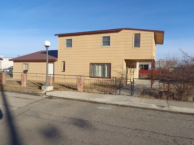 1003 E Commercial Avenue, Anaconda, MT 59711