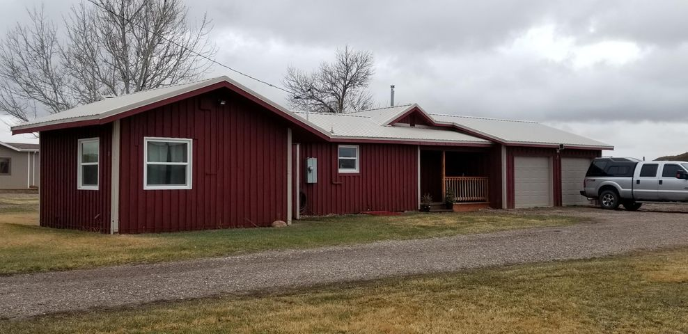 11 Sunnyside Avenue, Vaughn, MT 59487